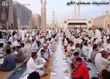 麦地那的开斋饭:世界上最大的免费晚餐