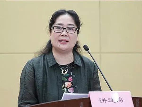 坊上人饭庄总经理刘西艳讲餐饮创业故事 感动众多观众