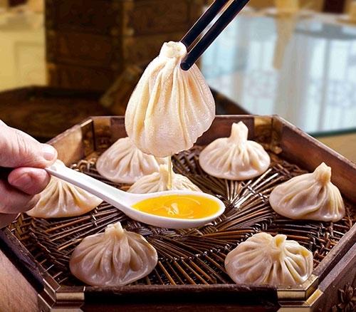 贾三灌汤包子:西安清真小吃的经典之作