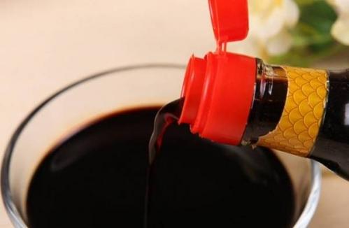 生吃酱油能致癌?网络谣言中食品安全信息占45%